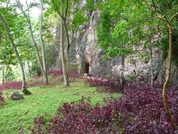 Eine der Vieng Xai Höhlen